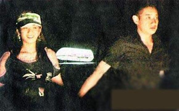 Thiếu gia ăn chơi nhất Trung Quốc: Hạ gục Trương Mẫn, dám tát Triệu Vy, cả đời si mê người đẹp đã mất-5
