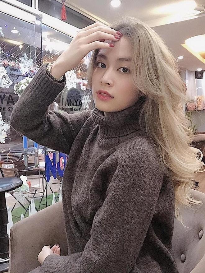 Hương Tràm và loạt sao Việt lột xác với màu tóc xám khói-4
