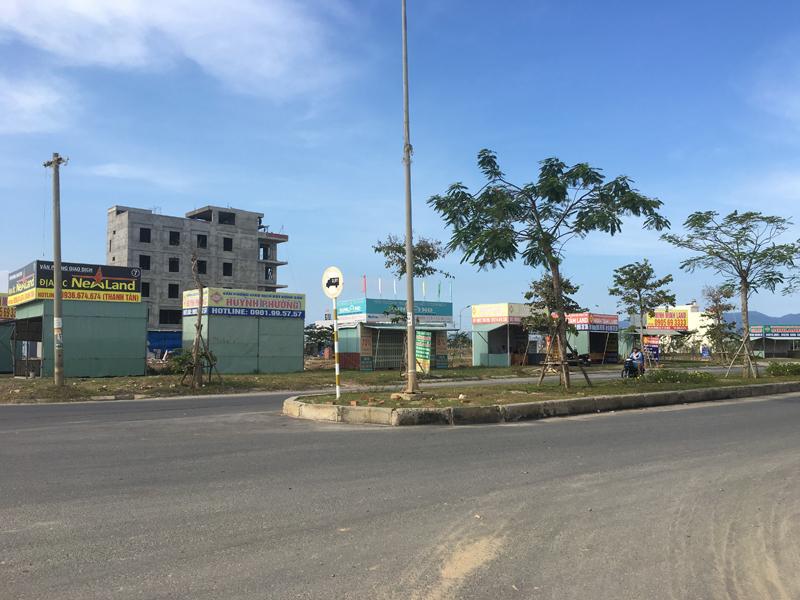 Đại gia ôtô bỏ hoang showroom, ôm tiền đổ về Đà Nẵng buôn đất-3