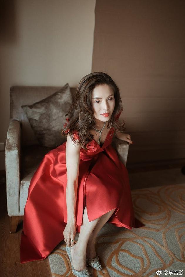 'Tiểu Long Nữ' Lý Nhược Đồng gây bão vì quá đẹp tuổi 45-3