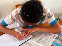 Không biết đọc, biết viết vẫn được lên lớp 3