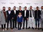 Nghỉ thi đấu do chấn thương, C.Ronaldo tranh thủ làm ông chủ bán bánh-3