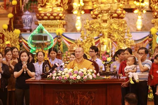 Bệnh viện Bạch Mai chưa liên hệ được với bác sĩ nói chuyện ở chùa Ba Vàng-2