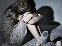 Nghệ An: Người mẹ bàng hoàng phát hiện con gái 14 tuổi bị hàng xóm giở trò đồi bại