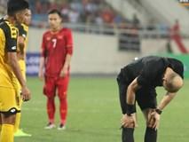 Hy hữu: Trọng tài điều khiển trận đấu của U23 Việt Nam suýt phải rời sân vì... chấn thương