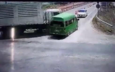 Danh tính 5 người Việt tử nạn trong vụ đâm ô tô thảm khốc ở Thái Lan-1