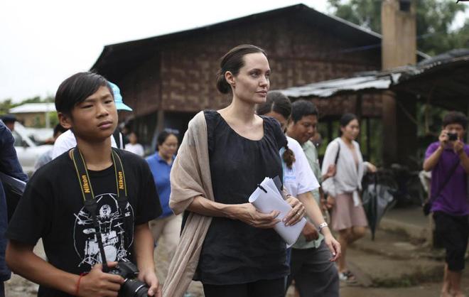 Nhờ hành động đặc biệt này, Pax Thiên là đứa con được Angelina Jolie yêu thương nhất-8