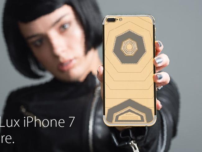 Ốp iPhone đắt gấp chục lần siêu xe, vừa dùng vừa sợ bong vàng, kim cương-11