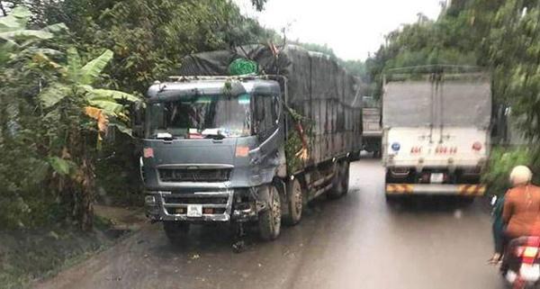 """Xe tải điên"""" tông trúng Innova chở 8 người, cháu bé Hàn Quốc tử vong-3"""