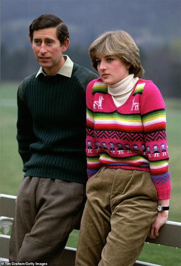 Tiết lộ mới gây chú ý: Công nương Diana và Thái tử Charles đã cùng bật khóc khi ký vào đơn ly hôn vì lý do này-4