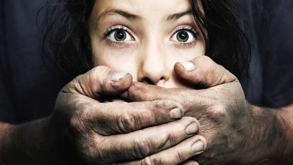 Bé gái 11 tuổi bị chính ông nội hãm hiếp suốt 1 năm mà không lên tiếng, đến khi được học giáo dục giới tính mới biết hành động đó là sai-2