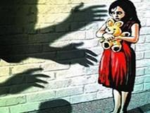 Bé gái 11 tuổi bị chính ông nội hãm hiếp suốt 1 năm mà không lên tiếng, đến khi được học giáo dục giới tính mới biết