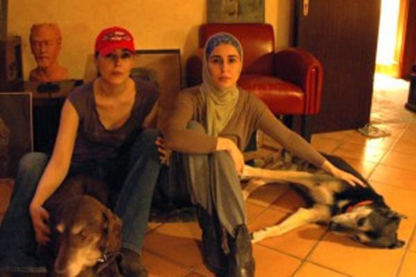 Bí ẩn cuộc sống phía sau cánh cửa cung điện nguy nga: 4 nàng công chúa Ả Rập Saudi bị chính vua cha giam cầm, vùng vẫy không tìm được lối thoát-5