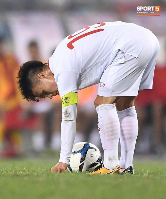 Bật mí mảnh giấy HLV Park Hang-seo nhắc bài Quang Hải trước khi U23 Việt Nam ghi bàn vào lưới Indonesia-4