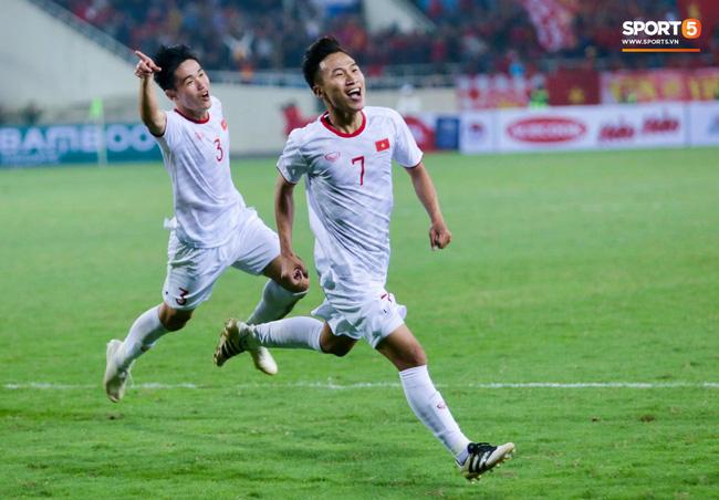Bật mí mảnh giấy HLV Park Hang-seo nhắc bài Quang Hải trước khi U23 Việt Nam ghi bàn vào lưới Indonesia-8