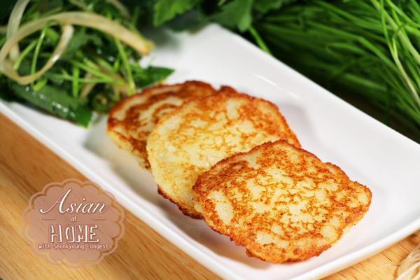 Khoai tây mùa này vừa rẻ vừa ngon, chỉ mất 10k có ngay món bánh khoai tây chuẩn vị Hàn-3