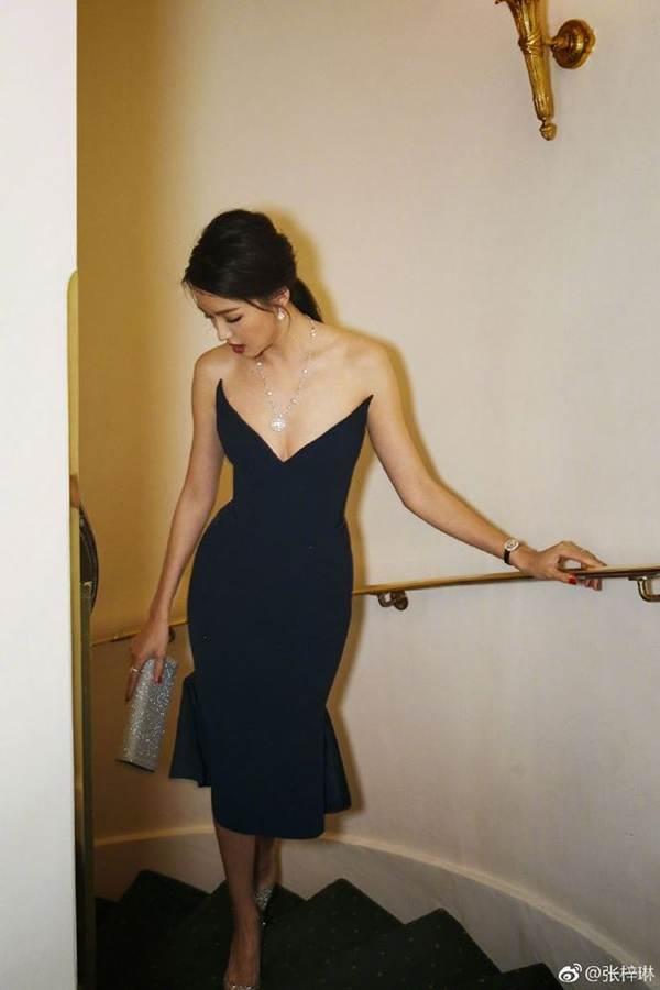 Hoa hậu thế giới Trương Tử Lâm xinh đẹp rạng ngời đón tuổi 35-7