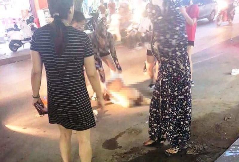 Vụ lột đồ đánh ghen, bôi ớt bột lên người tình địch ở Thanh Hoá: 3 người phụ nữ bị tuyên phạt 45 tháng cải tạo-2