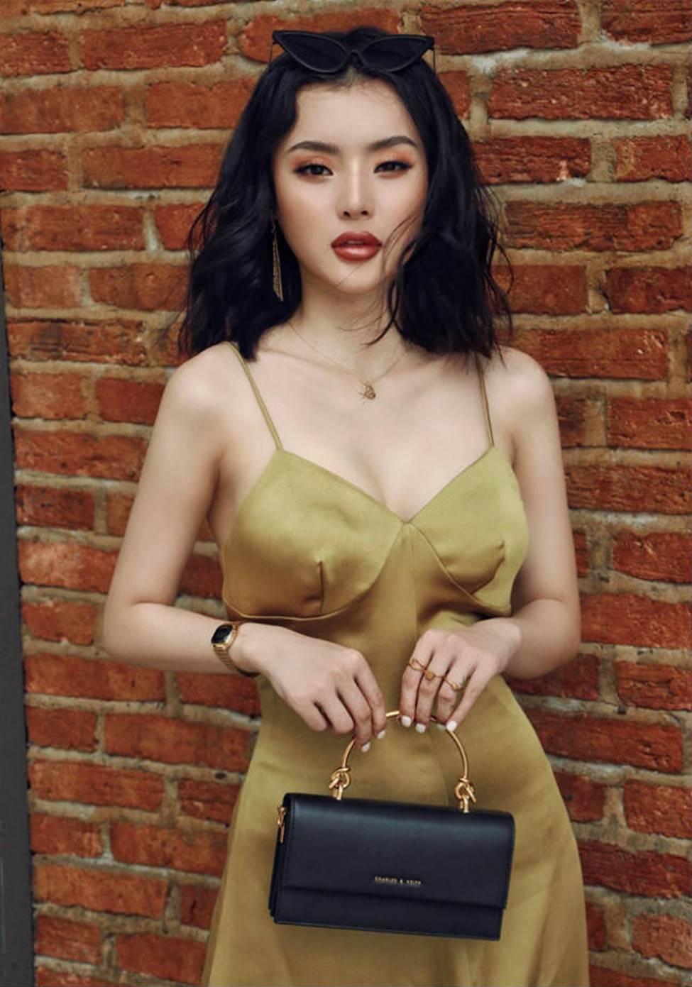Chị em Angela Phương Trinh với gu mặc gây chú ý-14