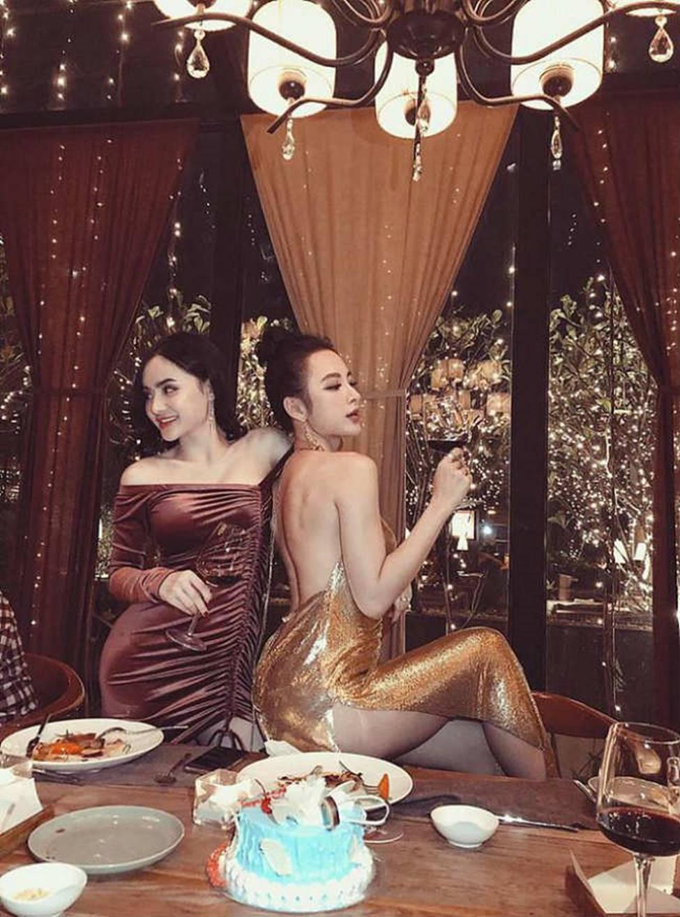 Chị em Angela Phương Trinh với gu mặc gây chú ý-5