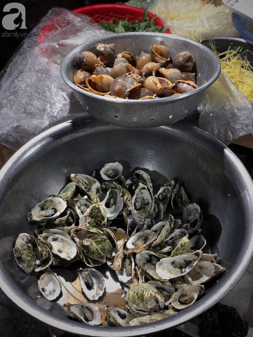 Mùa hè đi Quy Nhơn, hãy ghé ngay quán ốc siêu đông, gọi món không cần nhìn giá này: Ốc biển sang chảnh 20k/dĩa, hàu 5k/con-11