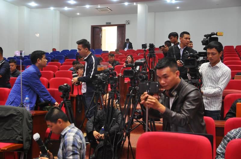 """Họp báo vụ thỉnh vong báo oán"""" tại chùa Ba Vàng: Quảng Ninh phạt bà Phạm Thị Yến 5 triệu đồng vì vi phạm-8"""