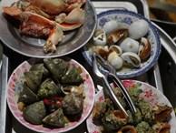 Mùa hè đi Quy Nhơn, hãy ghé ngay quán ốc siêu đông, gọi món không cần nhìn giá này: Ốc biển sang chảnh 20k/dĩa, hàu 5k/con