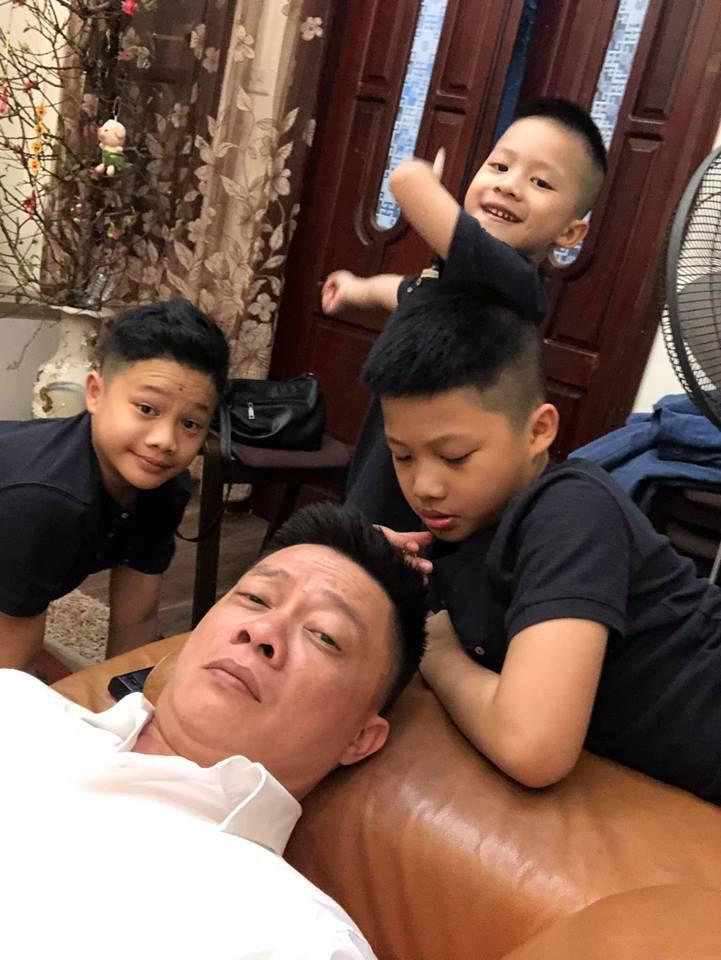 Nhà có 3 cậu con trai, đây là cách xử lý xung đột công bằng nhưng không kém phần hài hước của BTV Quang Minh-5