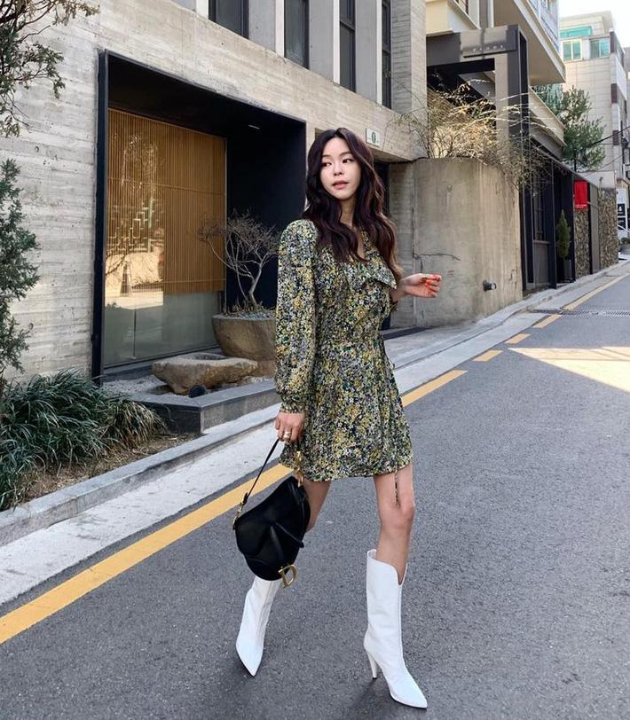 Lên đồ chuẩn như công sở Hàn với 15 gợi ý từ street style tuần này-15