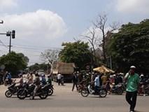 2 phụ nữ đi xe máy bị ôtô tải tông tử vong
