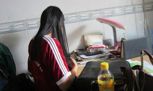 Nữ sinh lớp 7 ở Bắc Giang bị nhân tình của mẹ xâm hại nhiều lần-1