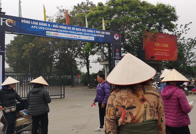 Chợ vé online kém sôi động trước trận bóng kinh điển Việt Nam - Thái Lan-2