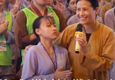 Cô gái co giật trong các clip vong nhập ở chùa Ba Vàng nói gì?-1