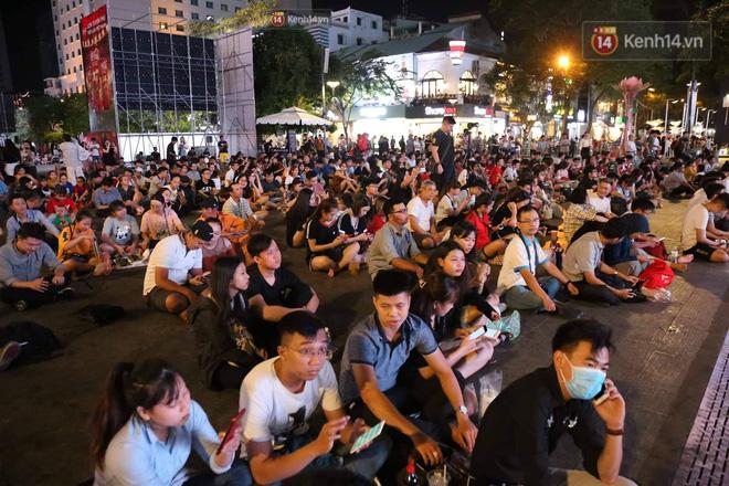 Không thể tin nổi: Thái Lan bị thủng lưới 4 lần, CĐV Việt Nam ăn mừng không kịp thở!-22