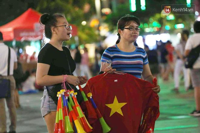 Không thể tin nổi: Thái Lan bị thủng lưới 4 lần, CĐV Việt Nam ăn mừng không kịp thở!-33