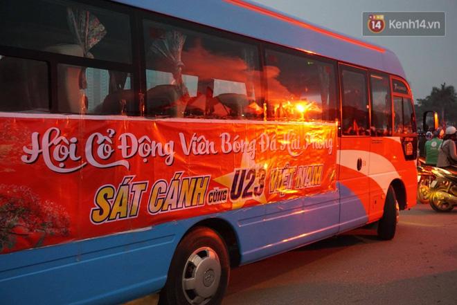 Không thể tin nổi: Thái Lan bị thủng lưới 4 lần, CĐV Việt Nam ăn mừng không kịp thở!-40