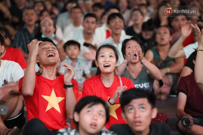Không thể tin nổi: Thái Lan bị thủng lưới 4 lần, CĐV Việt Nam ăn mừng không kịp thở!-20