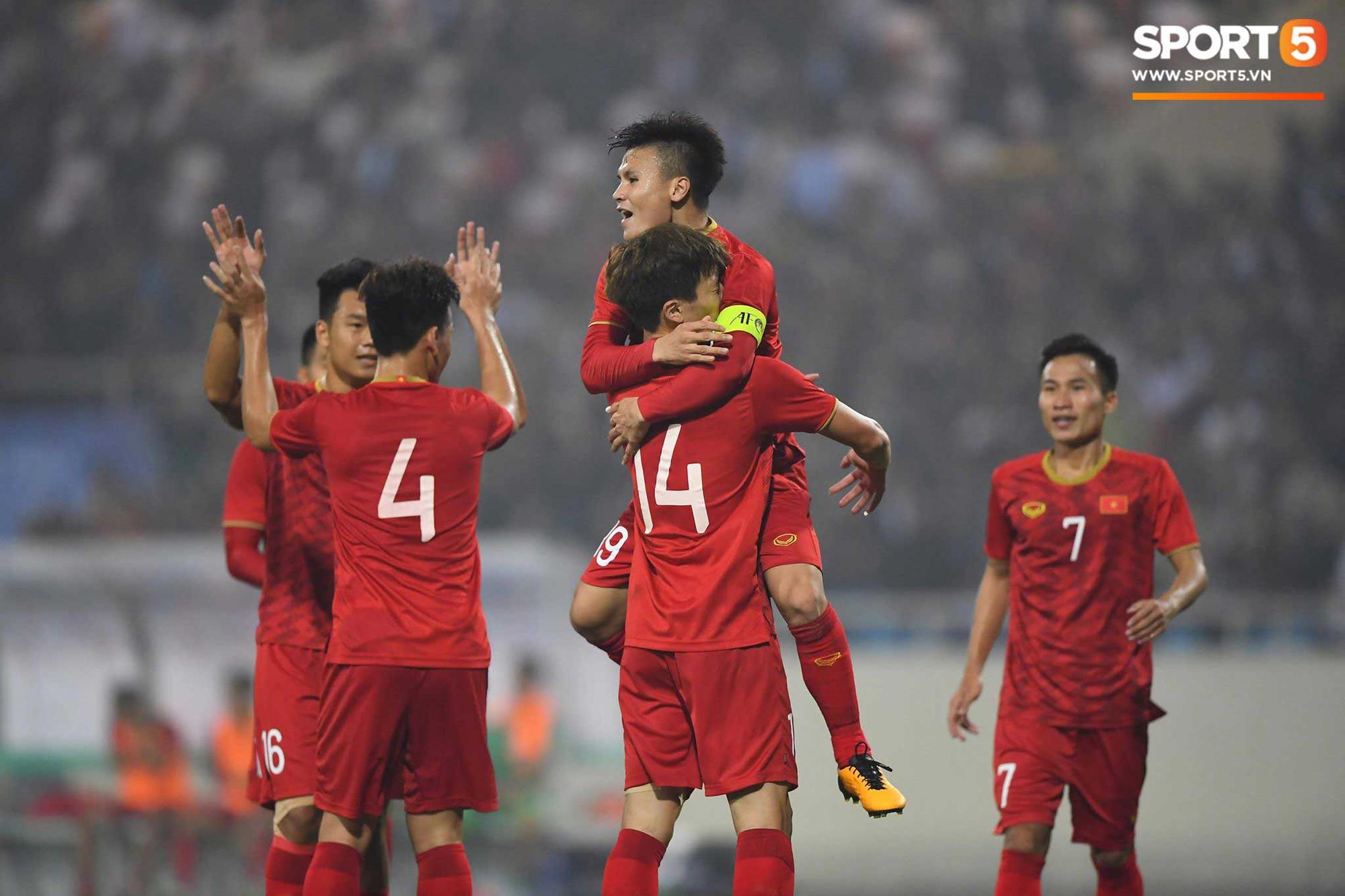 Đến HLV của U23 Thái Lan cũng phải like pha đi bóng và kiến tạo ảo diệu của Quang Hải-3