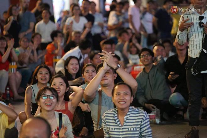 Không thể tin nổi: Thái Lan bị thủng lưới 4 lần, CĐV Việt Nam ăn mừng không kịp thở!-3