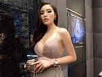 Bạn gái tin đồn của Hoa hậu Kỳ Duyên: Gia thế khủng, hình thể nóng bỏng nhất nhì showbiz-9