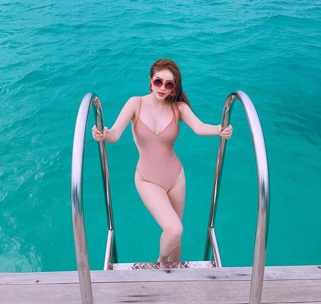 Gái ngoan showbiz hiếm hoi mặc bikini hở hiểm: Midu gợi cảm bất ngờ-13