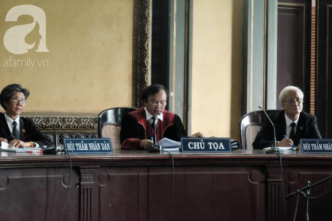 Đủ mọi cung bậc cảm xúc của ông Vũ, bà Thảo trong phiên tòa ly hôn nghìn tỷ-3
