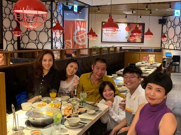Nghệ sĩ Công Lý tổ chức tiệc sinh nhật cho con gái, vợ cũ và bạn gái đều tham dự, chỉ một mình Thảo Vân vắng mặt-1