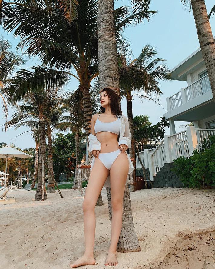 Cuộc chiến khoe eo thon dáng nuột với bikini: Loạt hot mom cũng táo bạo chẳng kém các sao nữ Vbiz-10