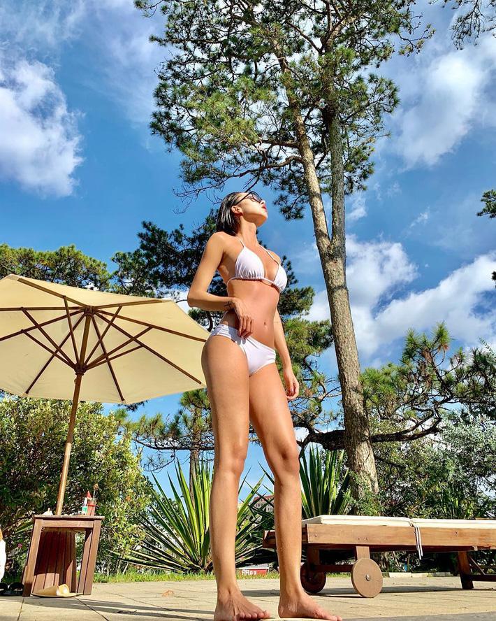 Cuộc chiến khoe eo thon dáng nuột với bikini: Loạt hot mom cũng táo bạo chẳng kém các sao nữ Vbiz-2