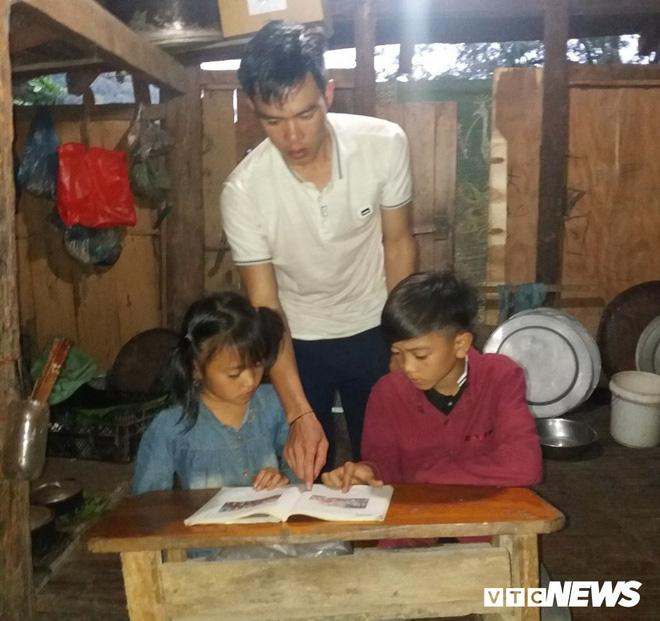 Cậu bé đạp xe hơn 100 km từ Sơn La xuống Hà Nội thăm em: Cháu không thấy mệt-3