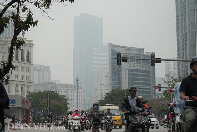 ẢNH: Nhiều tòa nhà ở Hà Nội chìm trong sương mù do ô nhiễm-1
