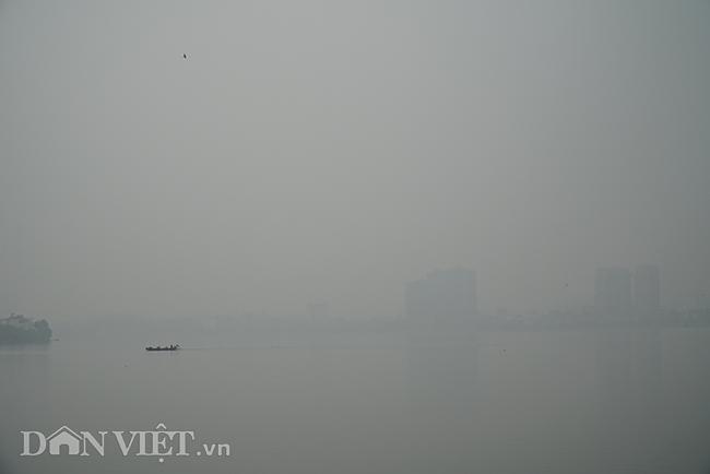 ẢNH: Nhiều tòa nhà ở Hà Nội chìm trong sương mù do ô nhiễm-10
