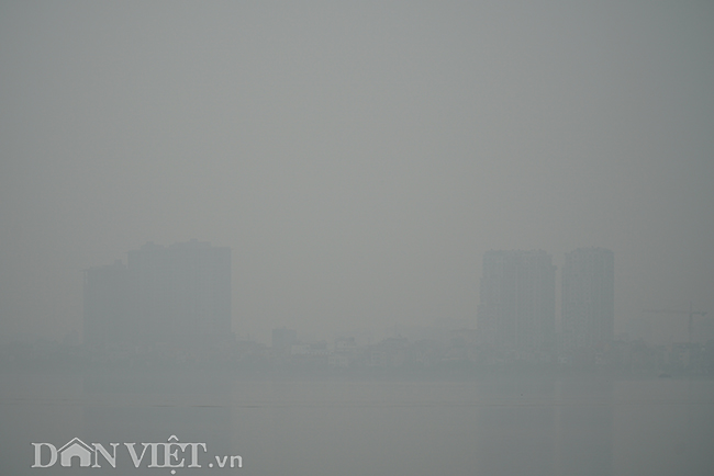 ẢNH: Nhiều tòa nhà ở Hà Nội chìm trong sương mù do ô nhiễm-11