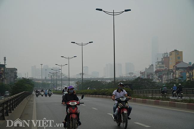 ẢNH: Nhiều tòa nhà ở Hà Nội chìm trong sương mù do ô nhiễm-3